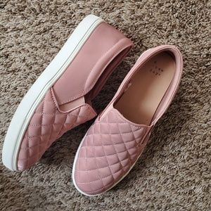 Pink Quilted sneakers